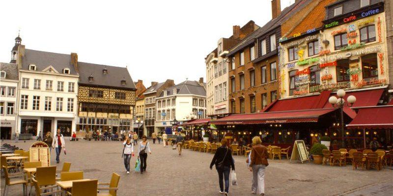 Préparer un voyage en Belgique et réserver un transport